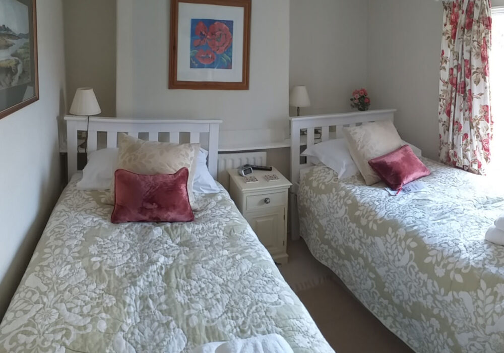 Twin room at Moonlight Cottage