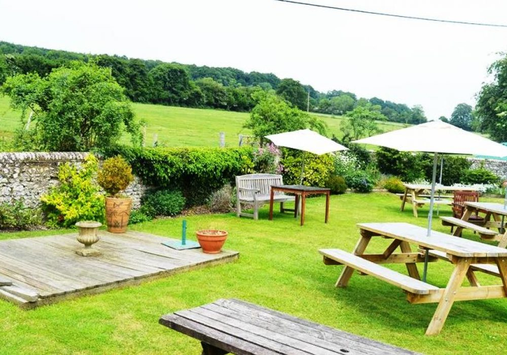An image of the pub garden at Hare & Hounds in Stoughton